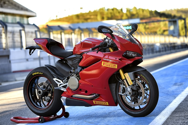 Pirelli DIABLO Supercorsa SP is the original equipment for the Ducati 1299 Panigale, 1299 Panigale S and Panigale R