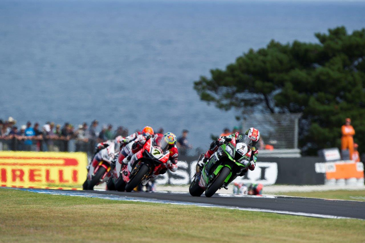 Jonathan Rea, Chaz davies out of Siberia