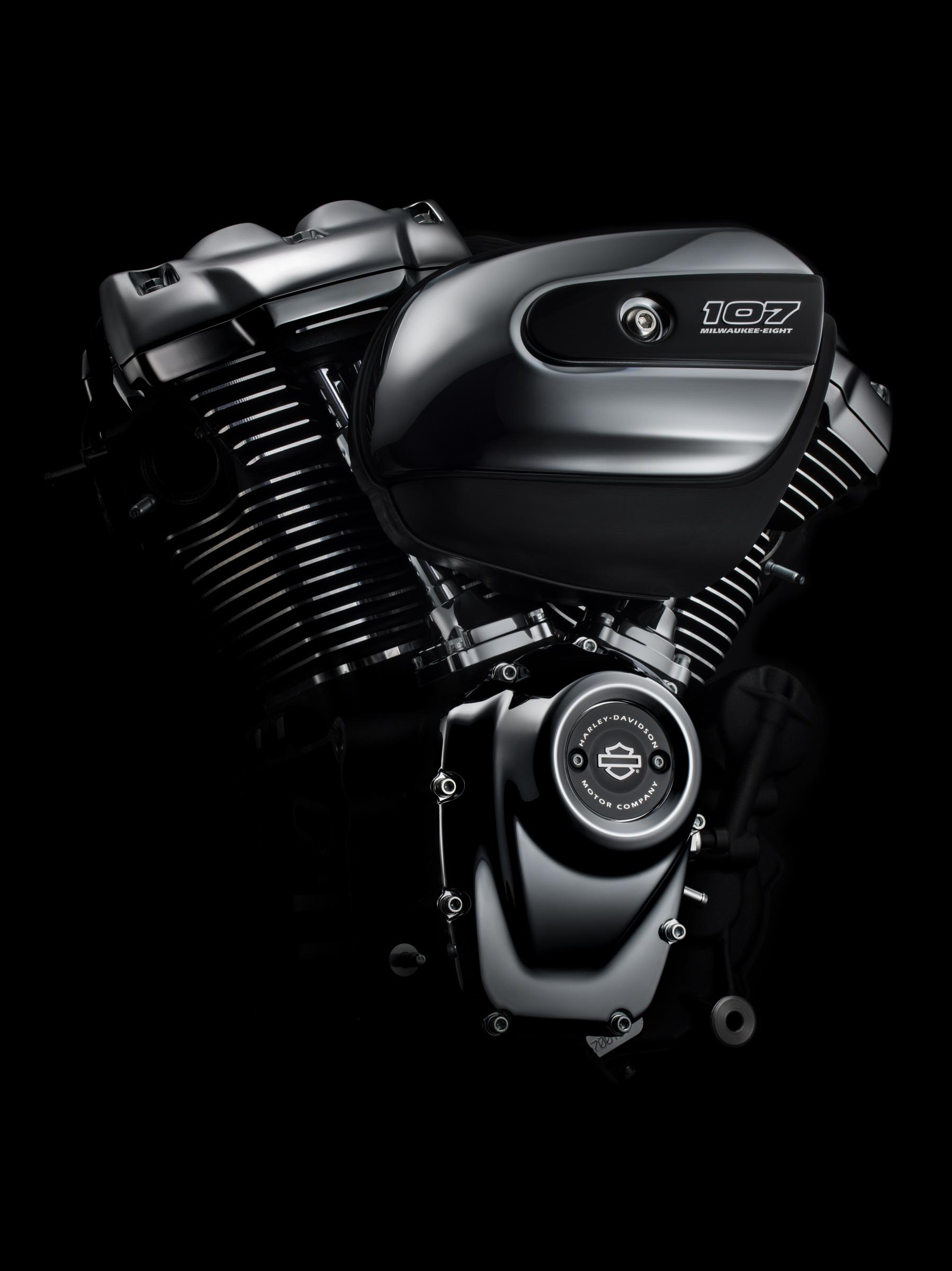 MY17 107 Engine. Milwaukee Eight.